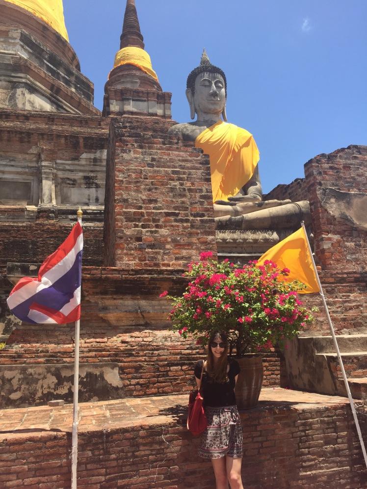 Visiting temples outside Bangkok